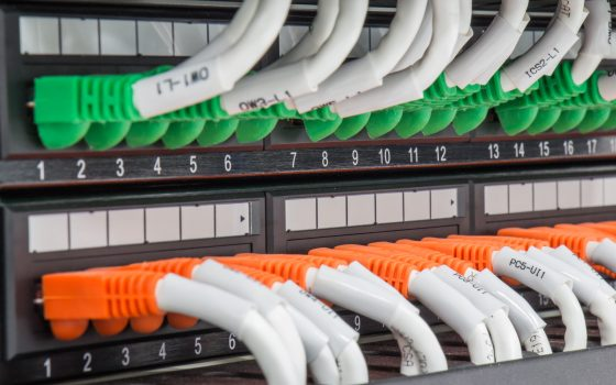 Local area network switch and un twice pair Ethernet cables